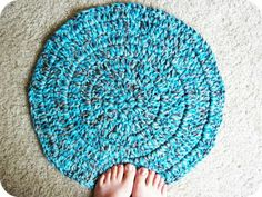 Cornflower Blue: free crochet pattern :: extra cushy pet rug