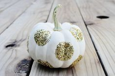 halloween pumpkin with glittered polka dots