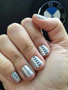 Gray & Silver Horizontal Pinstripe / Diamond Dust Sparkle http://lkite.jamberrynails.net/