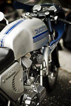 Ducati 900SS..._