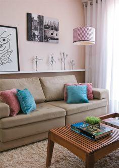 Adorei a prateleira de gesso sobre o sofá
