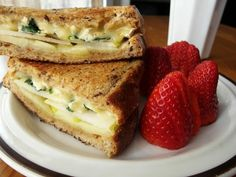 40 unique grilled cheeeeese recipes!