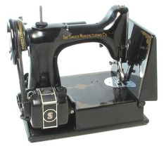 SINGER ELECTRIC SEWING MACHINE model 221 Case,Accessories,Booklets