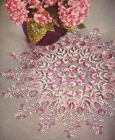~ Rose Ruffled Doily ~ 1950's Pattern....