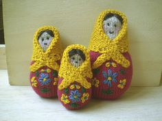 Knitted Russian Dolls between 8 and 11cm Tall - Free Pattern - PDF Download