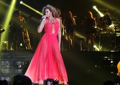 Beyoncé looking red hot on her world tour