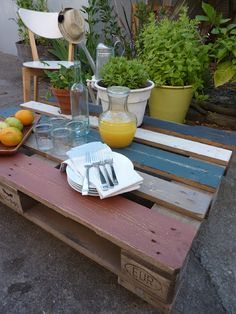 Claremont Finders Keepers - super cute outdoor pallet coffee table coffee tables, pallet furnitur, pallet coffe, pallets, pallet 101, indooroutdoor pallet, coffe tabl