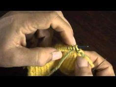 Cerrando con agujas lanera el punto elástico 1 x 1 tejido en dos agujas