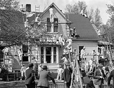 On a Saturday afternoon in May 1940, 3,000 people watched as 110 painters covered the nine-room house at 142 Lincoln Blvd. with a new coat of white paint in 4 minutes and 8.5 seconds. It crushed the previous record of 8 minutes, 30 seconds, set in Memphis, Tennessee, just a week prior. THE WORLD-HERALD