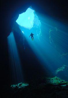 Scuba diving in Kilsby Sinkhole, Mt Gambier, South Australia.