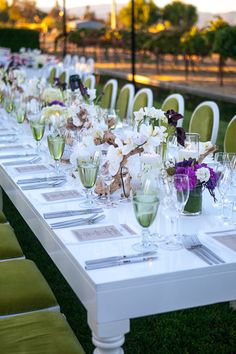 Chic tablescape for a vineyard wedding! Photography By / http://allysonwiley.com, Floral Design By / http://nancyliuchin.com
