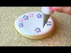 Royal Icing Wet on Wet Technique