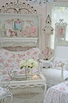 So in love with this shabby chic style!