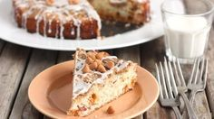 Original Bisquick mix teams up with bacon and butterscotch flavors for a coffee cake with rich and complex flavors.