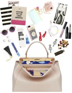 what's in the working girl's bag?!