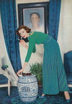 December Vogue 1956 december, vogu 1956, vogue fashion, decemb vogu, 1950s, fashion models, colors, karen radkai, long skirts