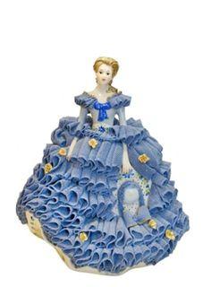 German porcelain lace company Irish Dresden .