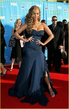 Splendid paragon of beauty Tyra Banks ...Voguish mode...