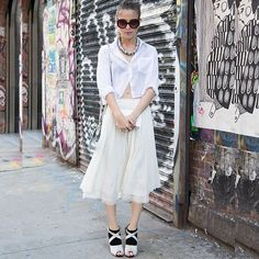 #stealthelook #look #looks #streetstyle #streetchic #moda #fashion #style #estilo #inspiration #inspired #white #fever #sandalia #camisa #saia