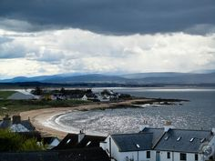 Top Scottish Walks - The Bay at Portmahomack, Easter Ross. A planned fishing village, built in the 1700s. All the names are Norse. The hotel is lovely, and it's a place for pottering before heading to the pub. Of interest is the 6th-century church. They've found what they think is a Pictish monastery & there are four remarkable stones carved with Pictish symbols. They look across the Firth to another big stone in Elgin.
