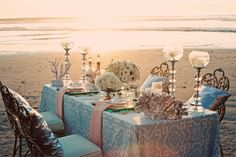 trendy beach wedding reception / photographed by Justin Lee