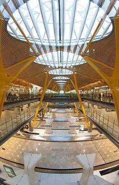Aeropuerto de Barajas (Madrid) Terminal T4 by hydrosound, via Flickr