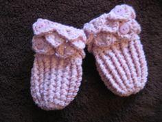 Isabella - Crocodile Stitch Baby Mittens pattern by Rachel Hardingham