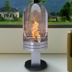 Liquid fuel fireplace