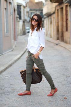Skinny cargo pants, white shirt  flats. Re-pin if you like. Via Inweddingdress.com #fashion #outfit