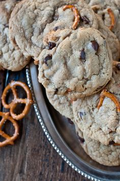Pub Cookies made with beer, pretzels, chocolate chips and peanuts!
