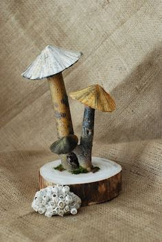 that artist woman: Papier Mache Mushrooms. Tutorial
