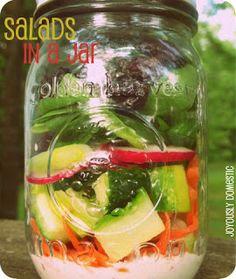 Several great ideas for salads in a mason jar @Joy Lehman Domestic