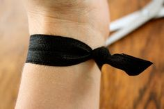 The Superettes: DIY elastic hair ties