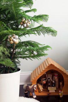 This ornament cluste
