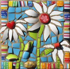 mosiac projects, mosaics, glass garden mosaic, daisi, flower pots, beer bottles, mosaic stepping stones, mosaic art, mosaic flowers