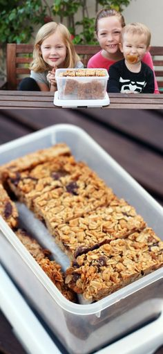 3 Kids, a Mom & a Kitchen: Letting Kids Make Homemade Granola Bars By Themselves!