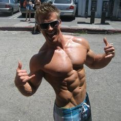 Sexy muscle guys