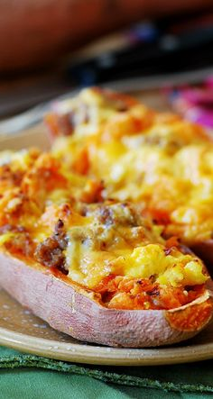 Stuffed sweet potatoes for breakfast - with sausage and eggs. JuliasAlbum.com | #gluten_free_food