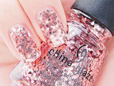 pink bling nail polish, pink nails, china glaze, disco, nail arts, glitter nails, sparkle nails, doll houses, sparkly nails