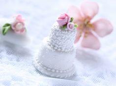 Textured mini cake