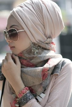 Turban style with neck scarf! If I were to do turban hijab, it's be like this!
