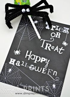 Free Printable Halloween Gift Tags! Perfect for gift giving in the classroom!! -- Tatertots and Jello