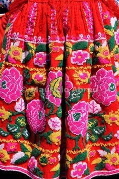 Images du Portugal   Costume traditionnel du Minho. Notre-Dame de l'Agonie Fêtes, la plus grande fête traditionnelle au Portugal. Viana do Cas ...