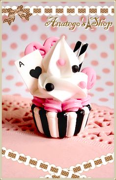 cupcak imag, playingcardsinspir cupcak, wonderland inspir, cupcak idea, necklaces, blog, alice in wonderland cupcakes