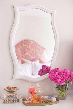 | preppy bedroom |