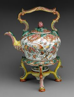 1761-1769 Dutch Chocolate pot and warmer at the Metropolitan Museum of Art, New York