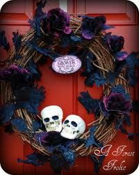 Halloween Wreath! holiday, halloween stuff, idea, craft, spooki halloween, spooky halloween, halloween wreaths, halloween costum, halloween diy