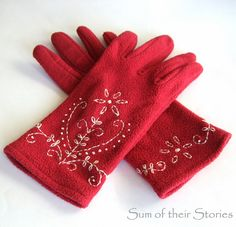 Embroidered Gloves | www.sumoftheirstories.com | #refashion