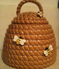 BEEHIVE COOKIE JAR, CRACKER BARREL