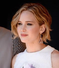 Jennifer Lawrence's short waves are perfect